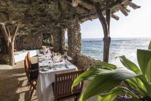 Savasi Island Resort Fiji Dining by the Ocean
