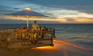 Hi FCI 65608814 castaway island fiji dining2